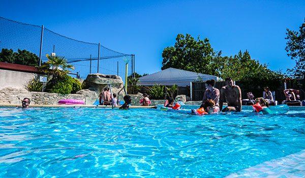 Pourquoi choisir le camping La Grand' Métairie avec piscine Vendée ?